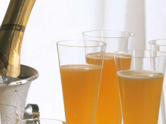 Maracuja-Champagner-Drink