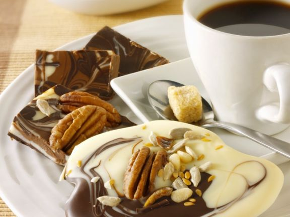 Marmorschokolade mit Nüsssen