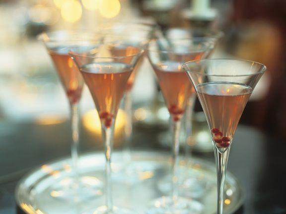 Martini-Cocktail mit Granaptapfel