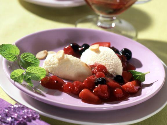 Marzipan-Schoko-Mousse mit Roter Grütze