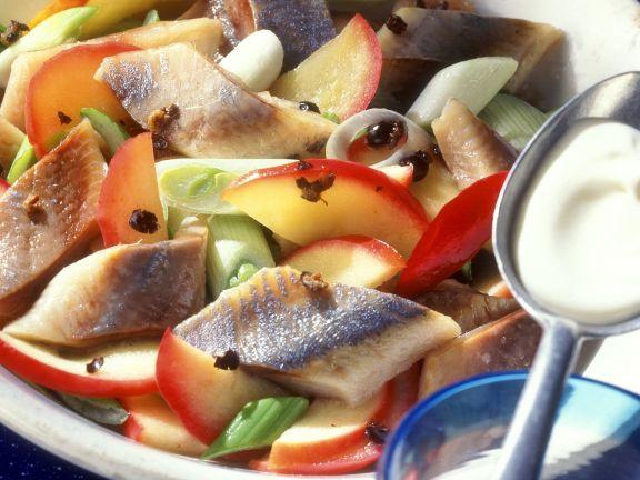 Matjes-Apfel-Salat mit Wacholdercreme