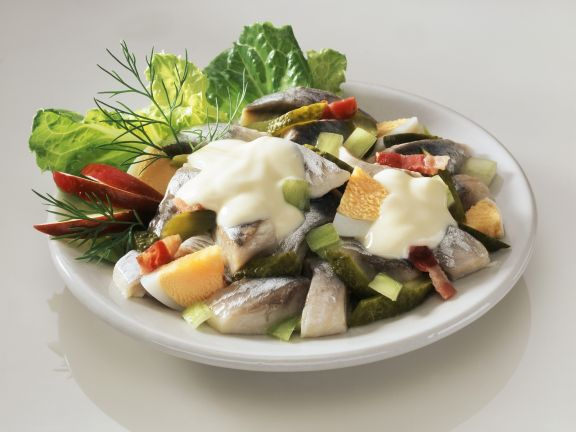 matjes eier salat mit gurke rezept eat smarter. Black Bedroom Furniture Sets. Home Design Ideas