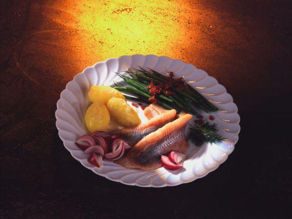 Matjes mit grünen Bohnen und Speckstippe