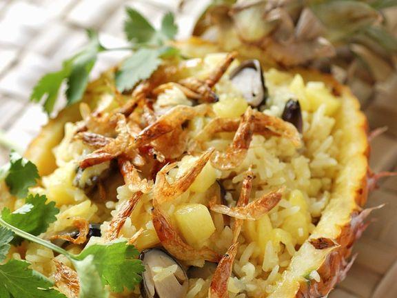 Meeresfrüchte-Reis mit Ananas