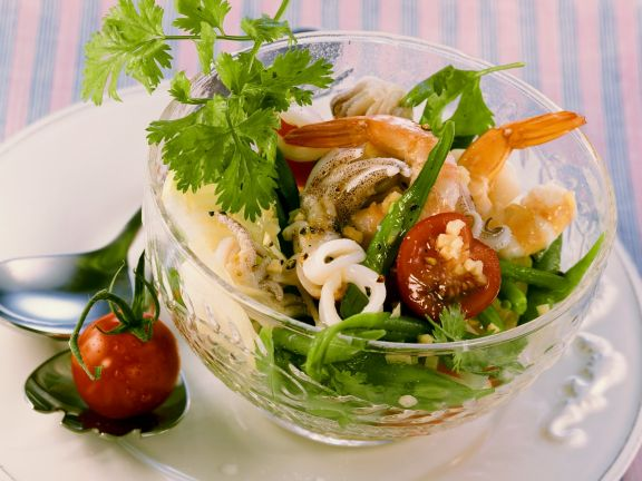 Meeresfrüchtesalat thailändisch gewürzt