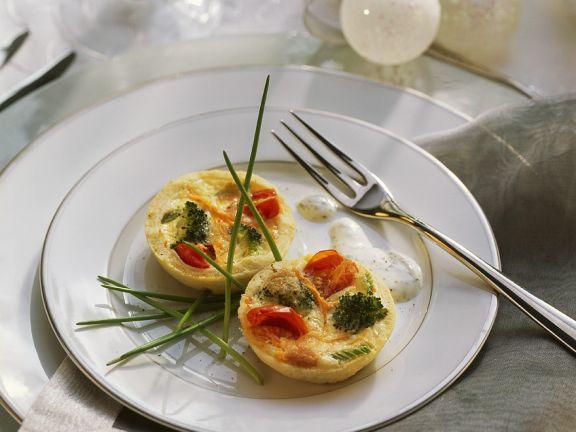 Mini-Gemüsekuchen mit Kräutersahne