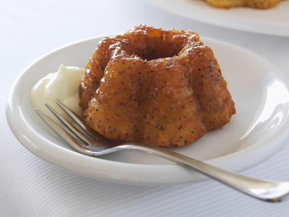Mini-Orangenkuchen mit Schlagsahne