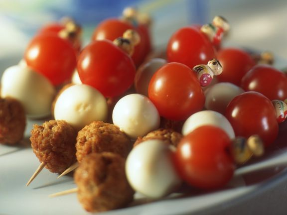 Mini-Tomaten-Eier Spieß mit Hackbällchen