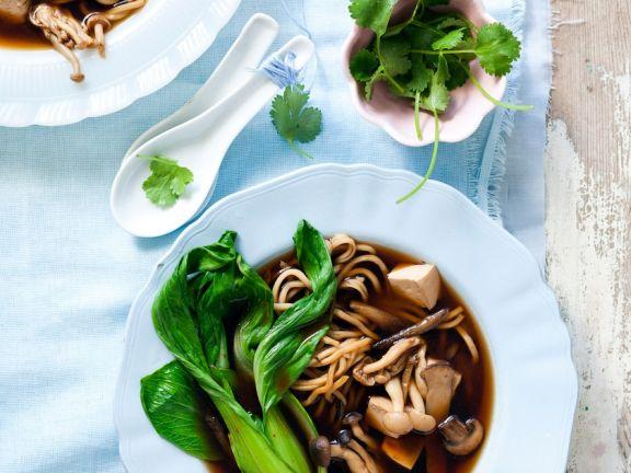 Miso-Tofu-Suppe mit Gemüse