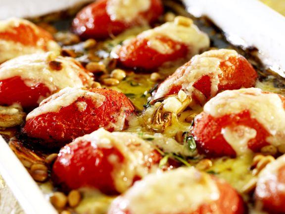 Mit Jarlsberg überbackene Tomaten