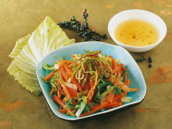 Möhren-Kohlsalat
