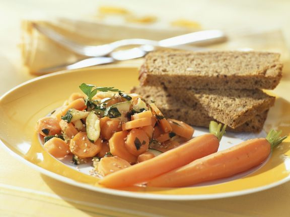 Möhrengemüse mit Zucchini
