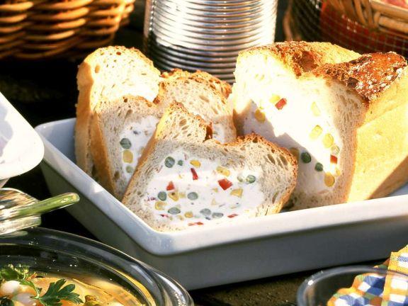 Mosaikbrot mit Frischkäse-Paprika-Füllung