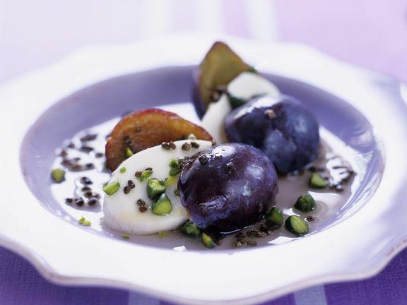 Mozzarella mit Zwetschgen und Pistazien