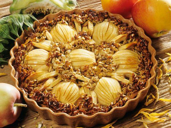 Mürber Apfelkuchen mit Sonnenblumenkernkruste