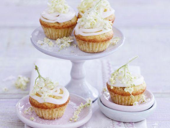 Muffin mit Holunderblüten