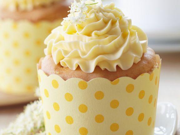 Muffin mit Holunderblütencreme