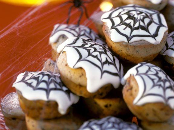 Muffins mit Spinnennetz