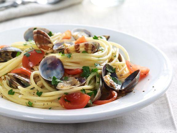 Muschel-Spaghetti mit Tomaten