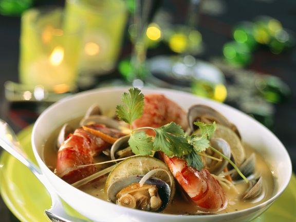 Muschelsuppe mit Garnelen