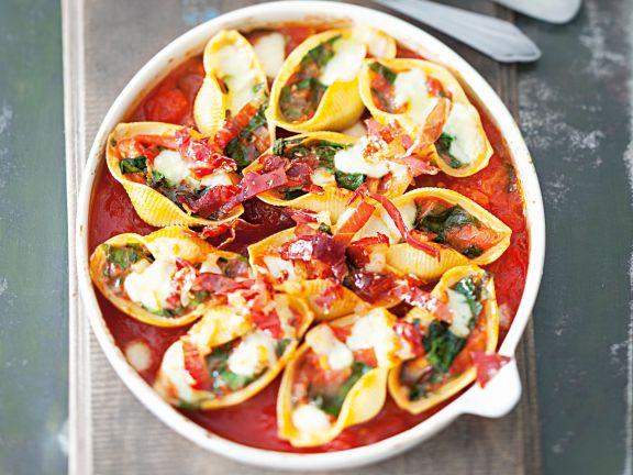 Nudel-Tomaten-Gratin mit Auberginen