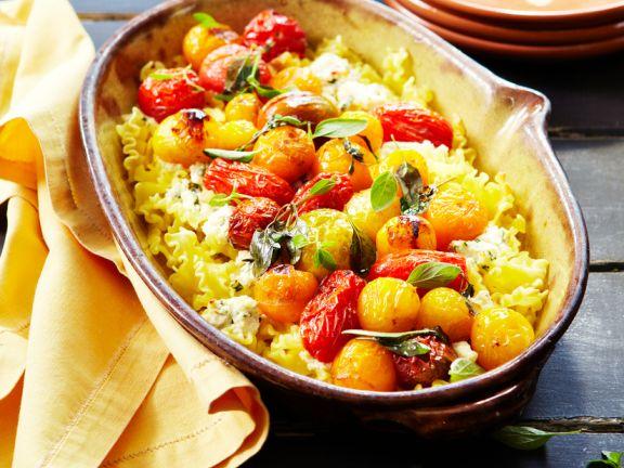 Nudelgratin mit Frischkäse und Tomaten