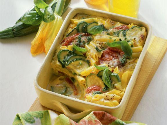 Nudelgratin mit Zucchini und Tomaten