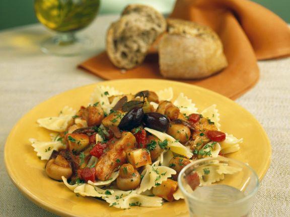 Nudeln mit mediterranem Gemüseragout