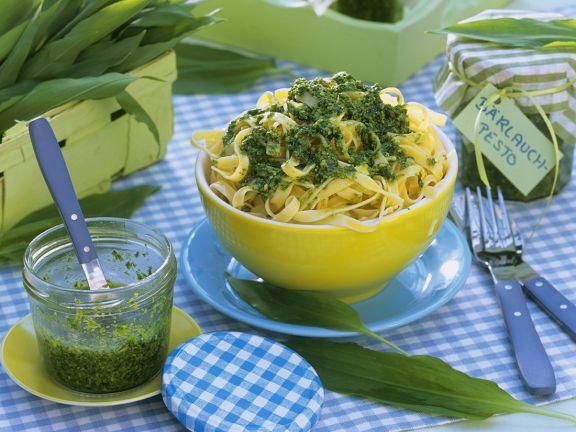 Nudeln mit Pesto