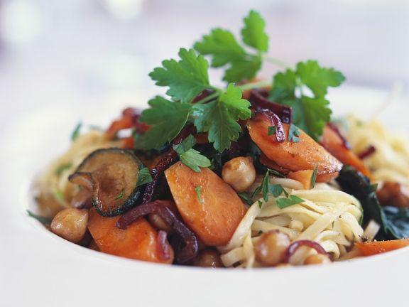 Nudeln mit Rotwein-Gemüse