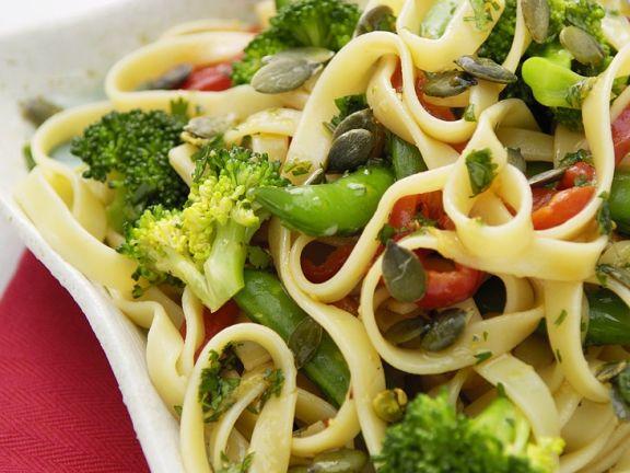 Nudelsalat mit Brokkoli
