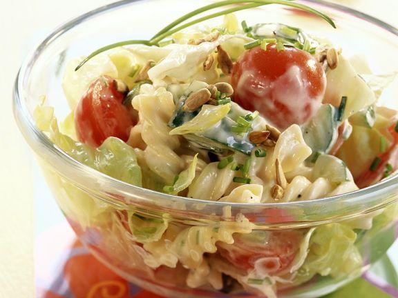 Nudelsalat mit Joghurtdressing