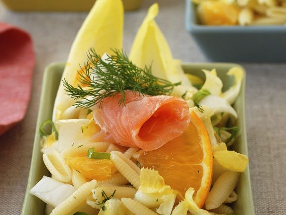 Nudelsalat mit Orange