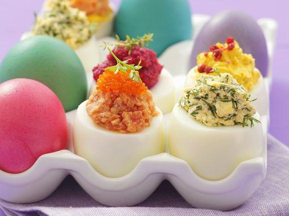 Österliche Eier mit Füllung