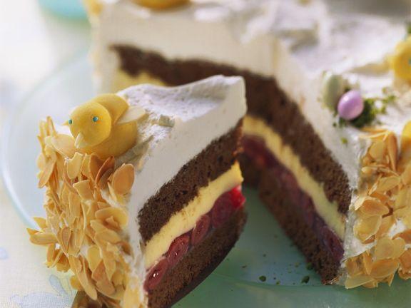 Österliche Torte mit Küken aus Marzipan
