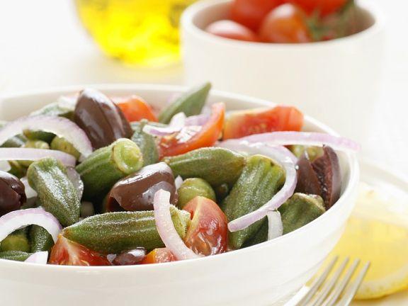 Okraschoten-Tomatensalat