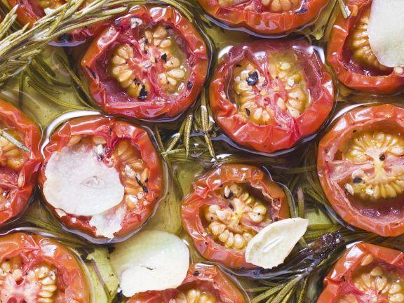 Olivenöl-Tomaten mit Knoblauch