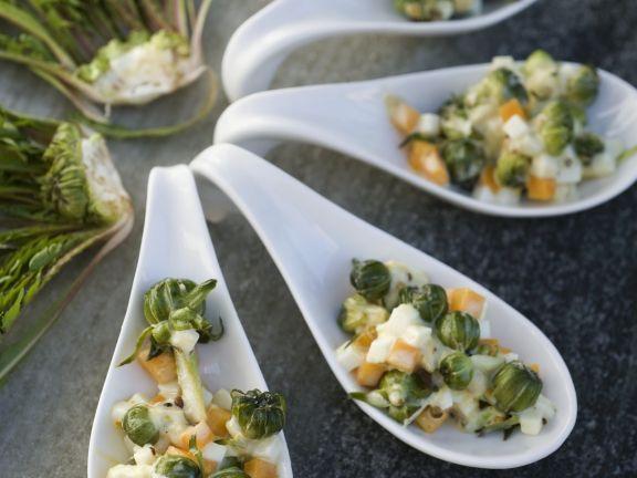 Oliviersalat mit Löwenzahn (Russischer Salat)