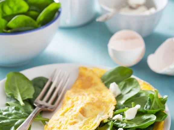 Omelett mit Babyspinat und Ziegenfrischkäse