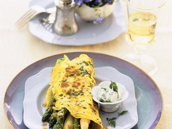 Omelett mit Kräutern und Spargel
