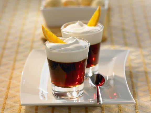 Orangen-Kaffee mit Sahnehaube