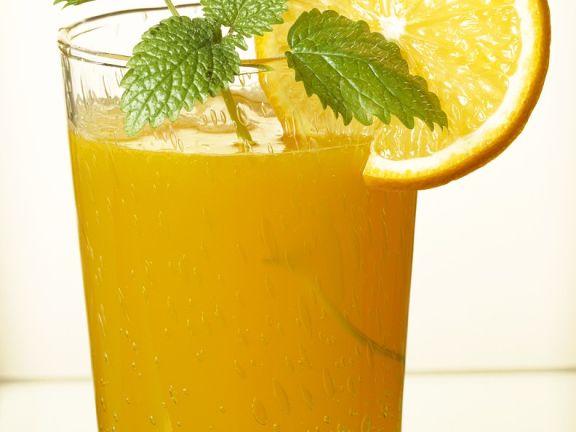 Zitronenlimonade im Glas