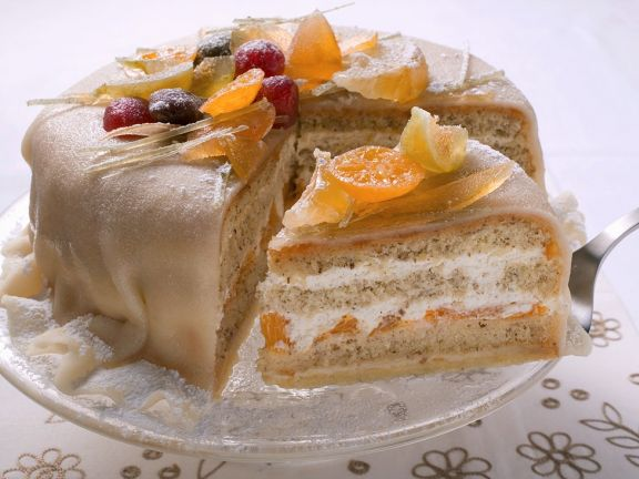 Orangen-Marzipan-Torte mit kandiertem Obst