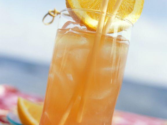 Orangen-Rum-Cocktail