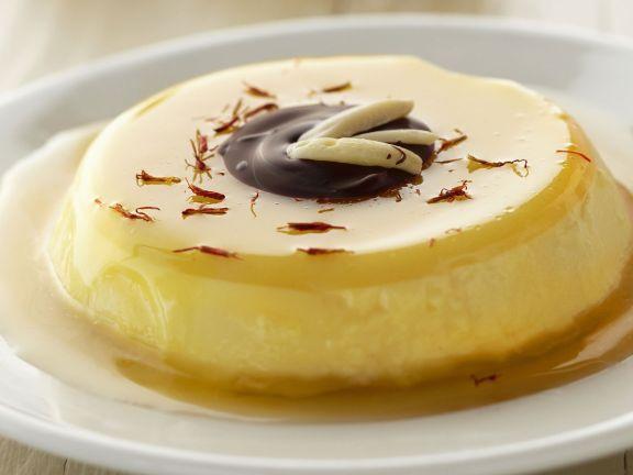 Panna cotta mit Safran-Honig-Soße