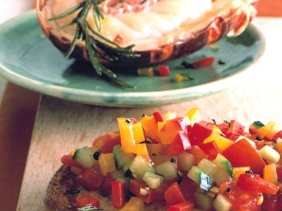 Paprika-Crostini mit Hummer