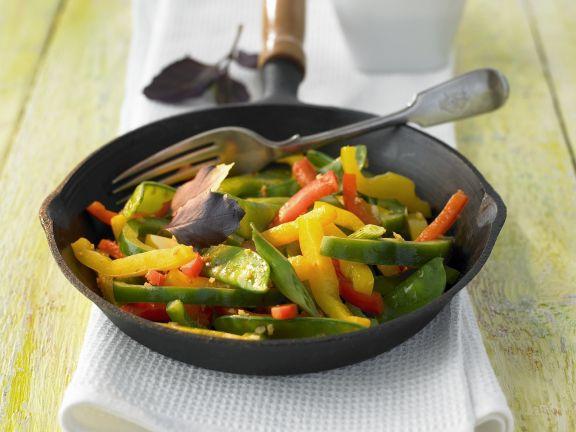 Paprika-Kaiserschoten-Salat mit Ingwer