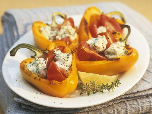 Paprika mit Kräuterquark