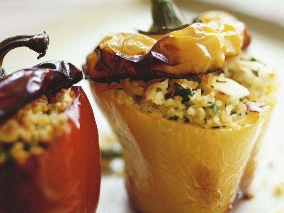 Paprikaschoten mit Couscous-Füllung