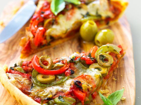 Paprikatarte mit Oliven